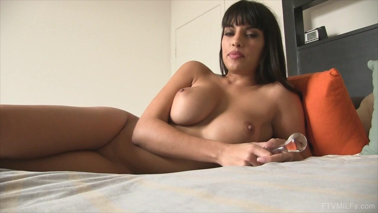 Nude 18+ Webcam Cute glasses tittywebcamgirls com