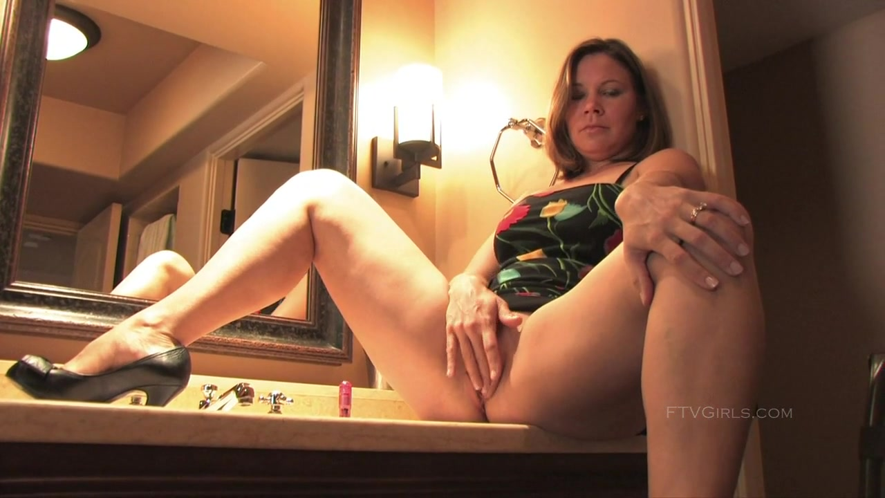 Porn Pics & Movies Amateur ebony wife