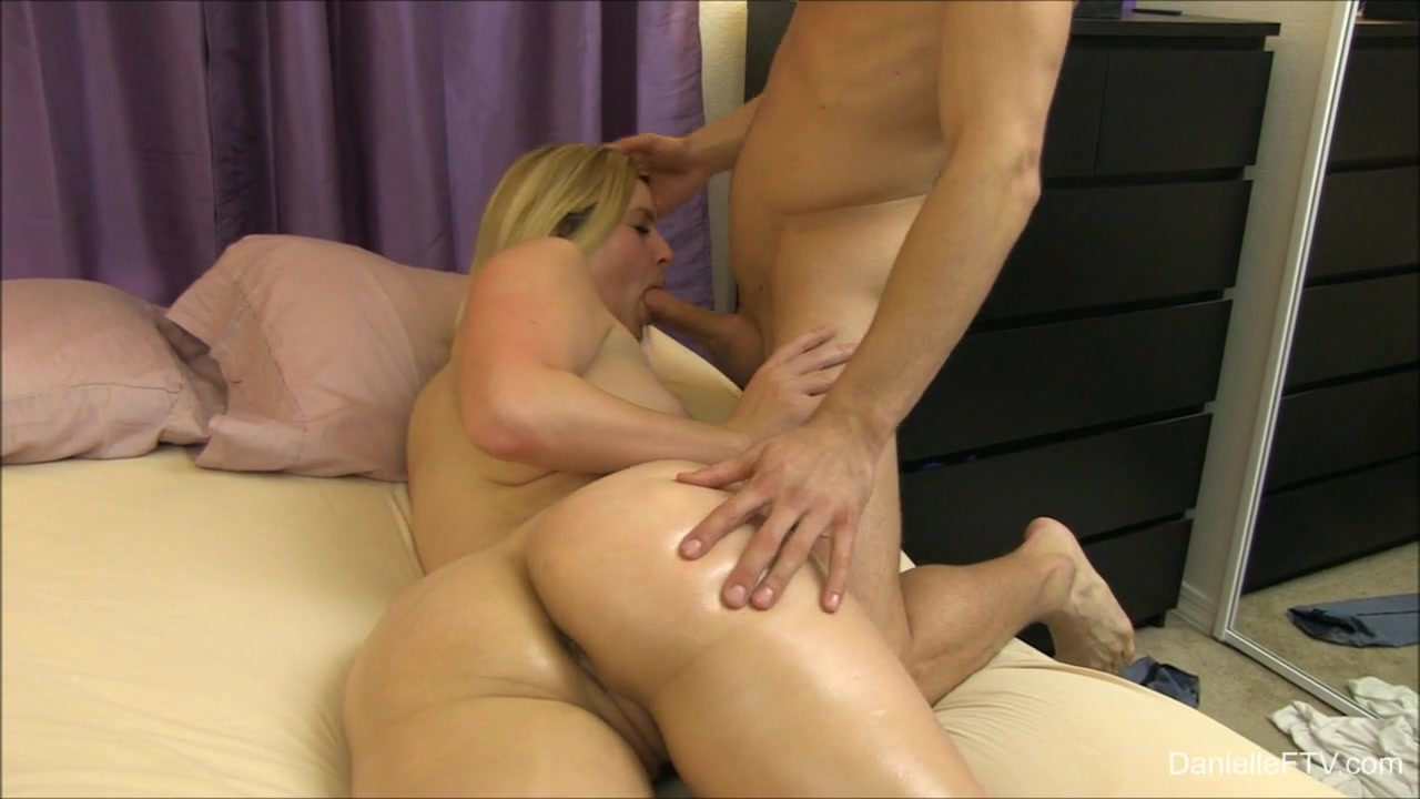 Nude gallery Classy lesbian dvds