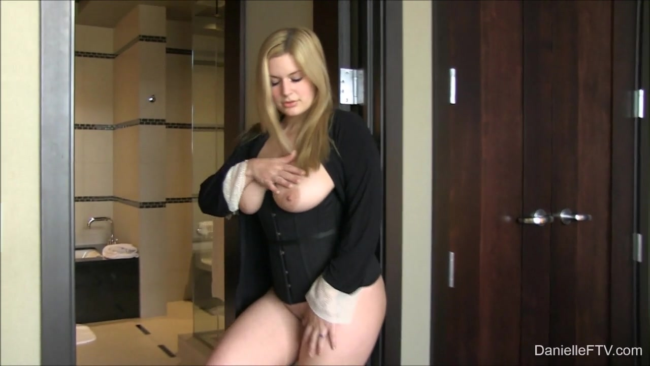 Japanese sexy fucking girls XXX Video