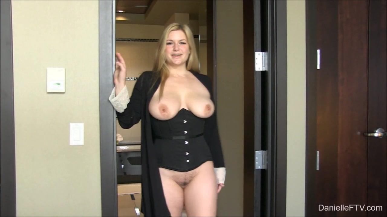 Naked FuckBook Mature jiggle with bend