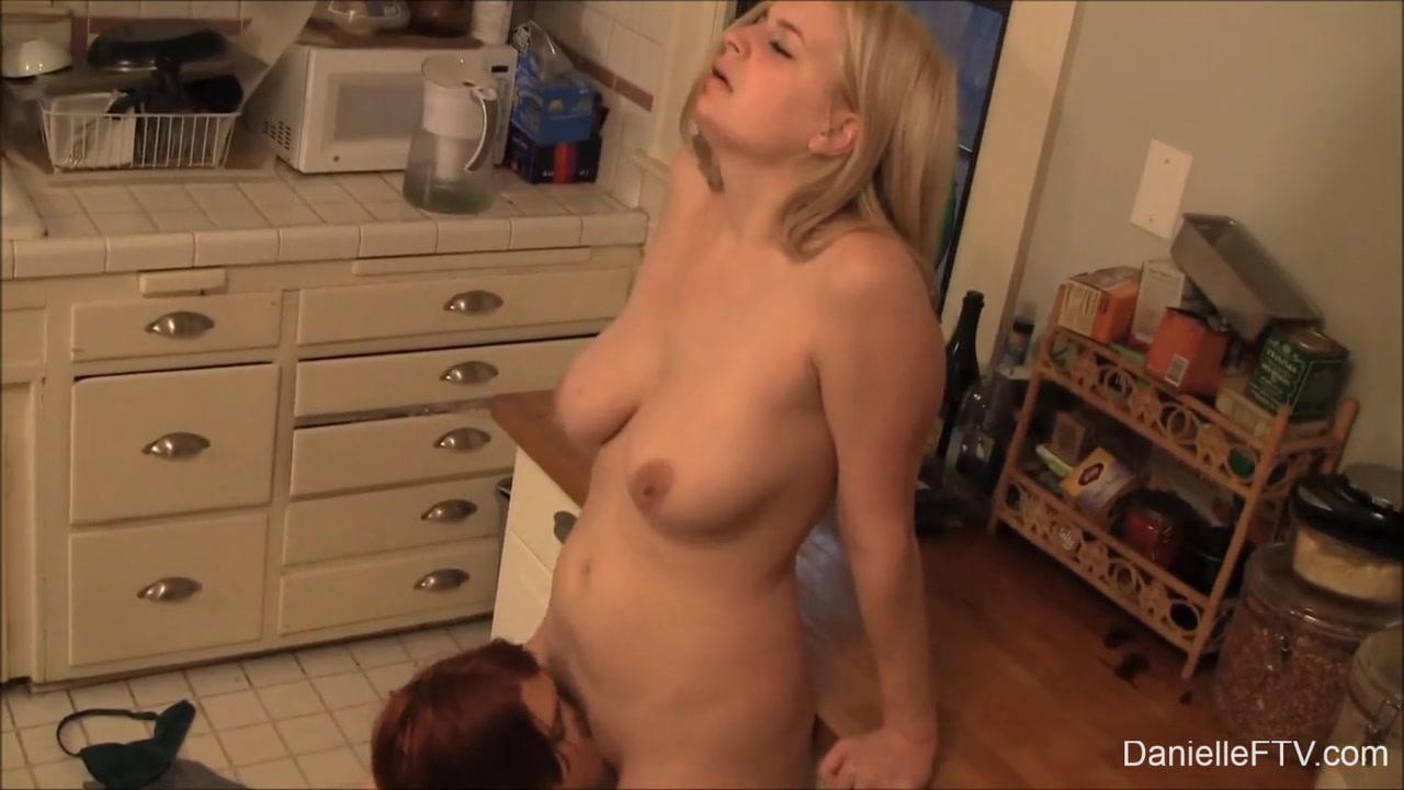 Pornex orgasam lesbiian Russian