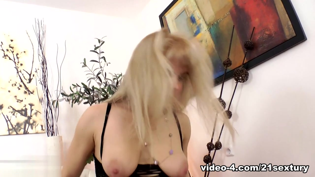 Adult Videos Sexy boobs only