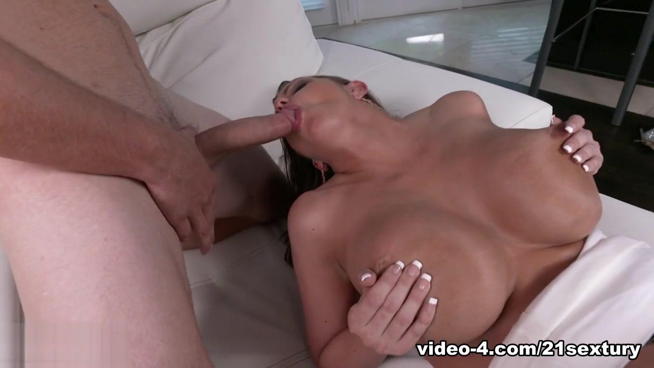 Hot Nude Big tit lingerie babes