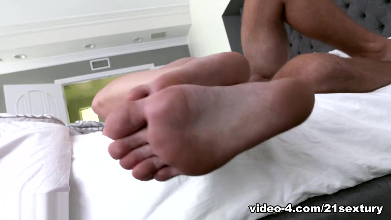 Enok 420 dating Quality porn