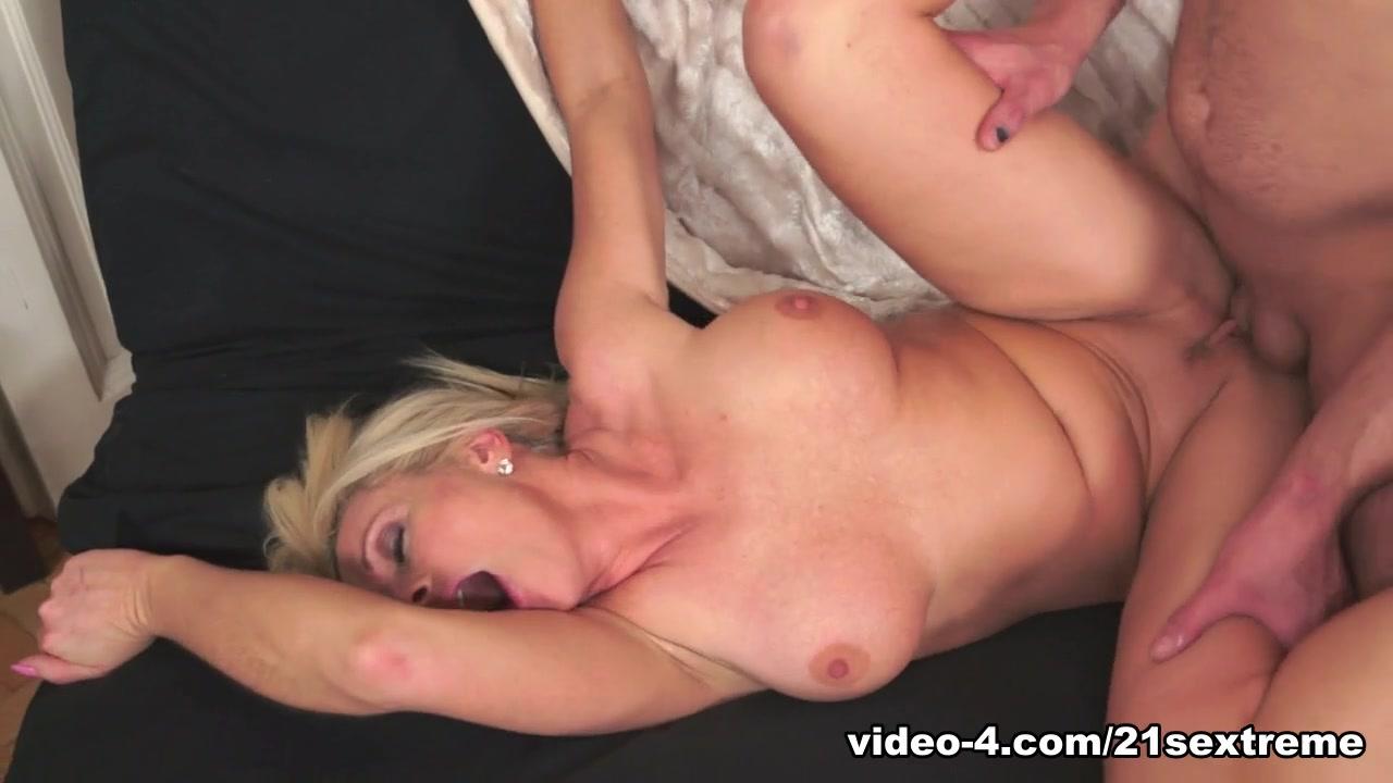 Excellent porn Dildo orgy video party