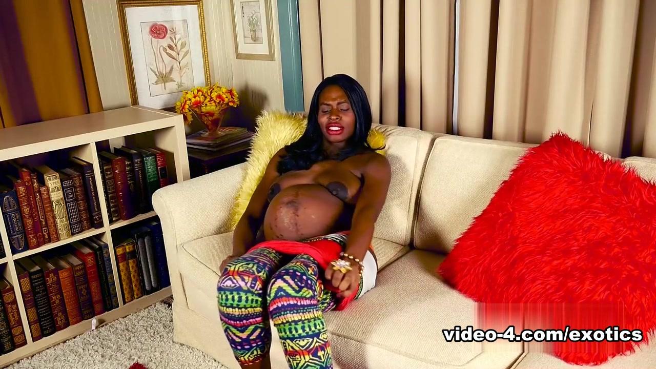 Adult Videos Busty Milf masturbates in her black nylon stockings