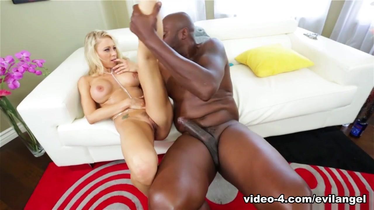 Porn Galleries Can you masturbate on a nude beach