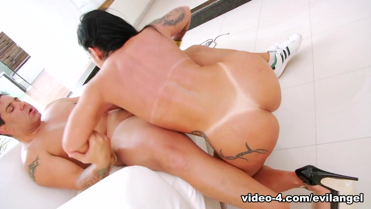 Good Video 18+ Hairy pussy open naked