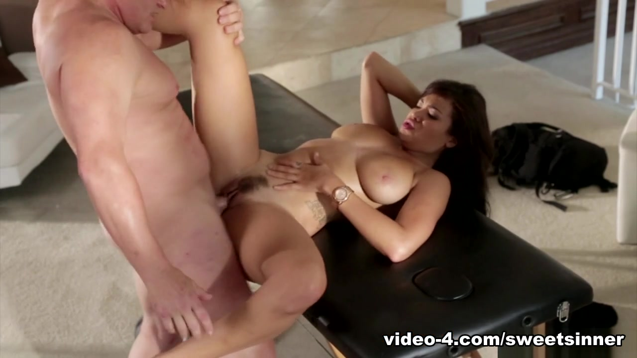 Big titted milf holly gets cumshot Porn archive
