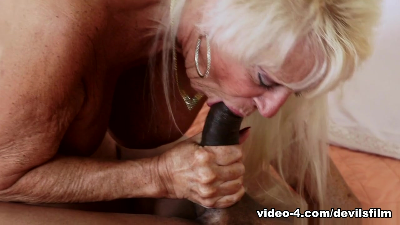 xXx Images Anal pounding ass breaking
