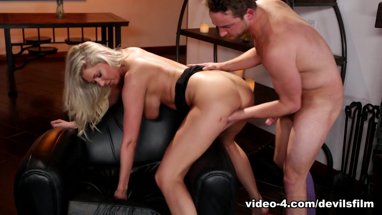 Nude gallery Guy gets fucked by shemale