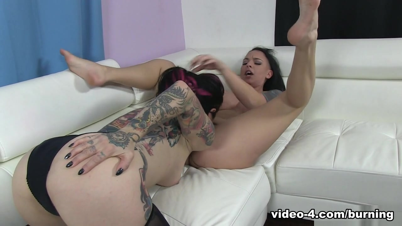 Sexy Video Girl masturbating orgasm porn
