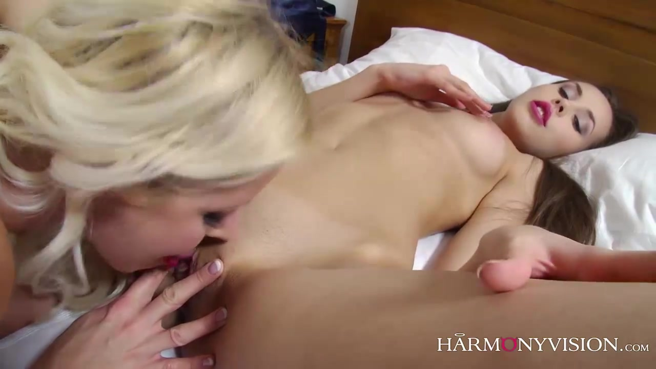 Naked clip sexy Lesbiane