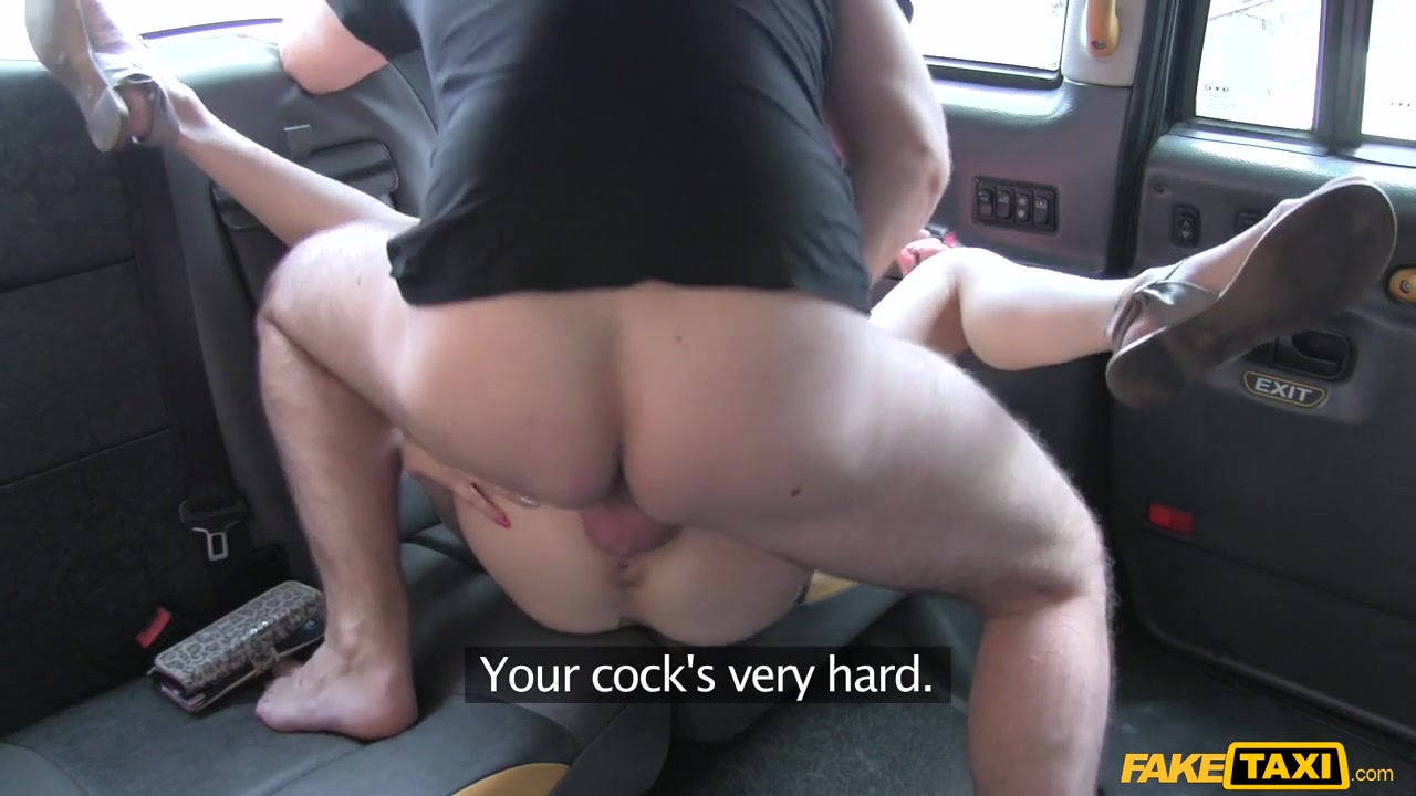 Nude 18+ Brunette mature pleasures her pussy