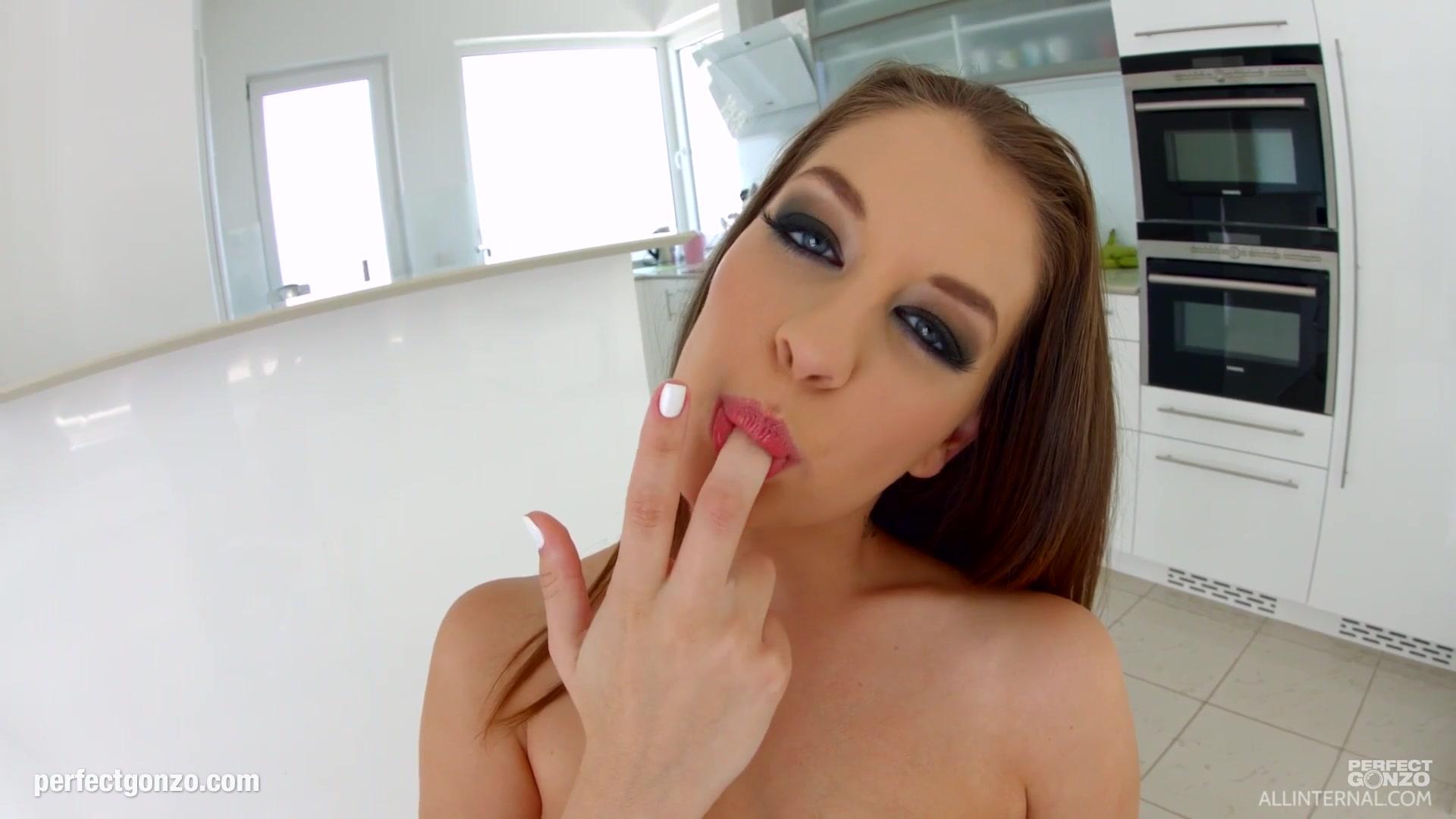 Porno photo White girl fingering shaved pussy