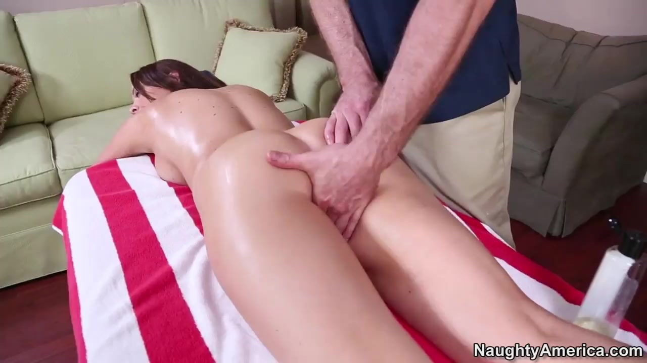 Sexy Video What the perfect age to start hookup