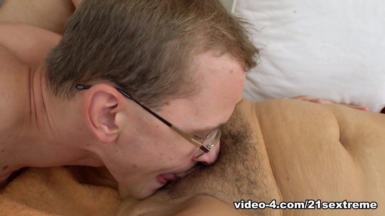 Mature mouth fucking and swallowing Naked Pictures