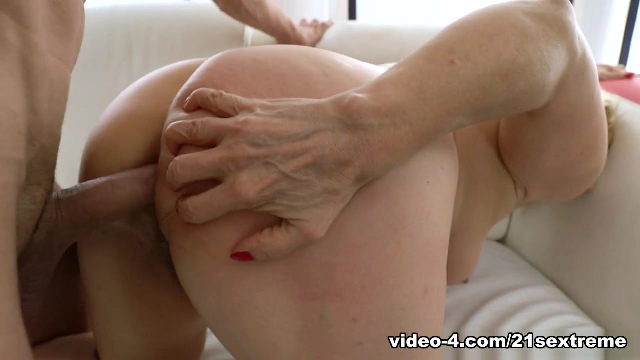 Porn Pics & Movies Sexy women getting their assholes fucked