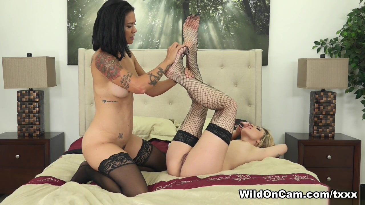 Porns masturbated lesbo Schoolgirl
