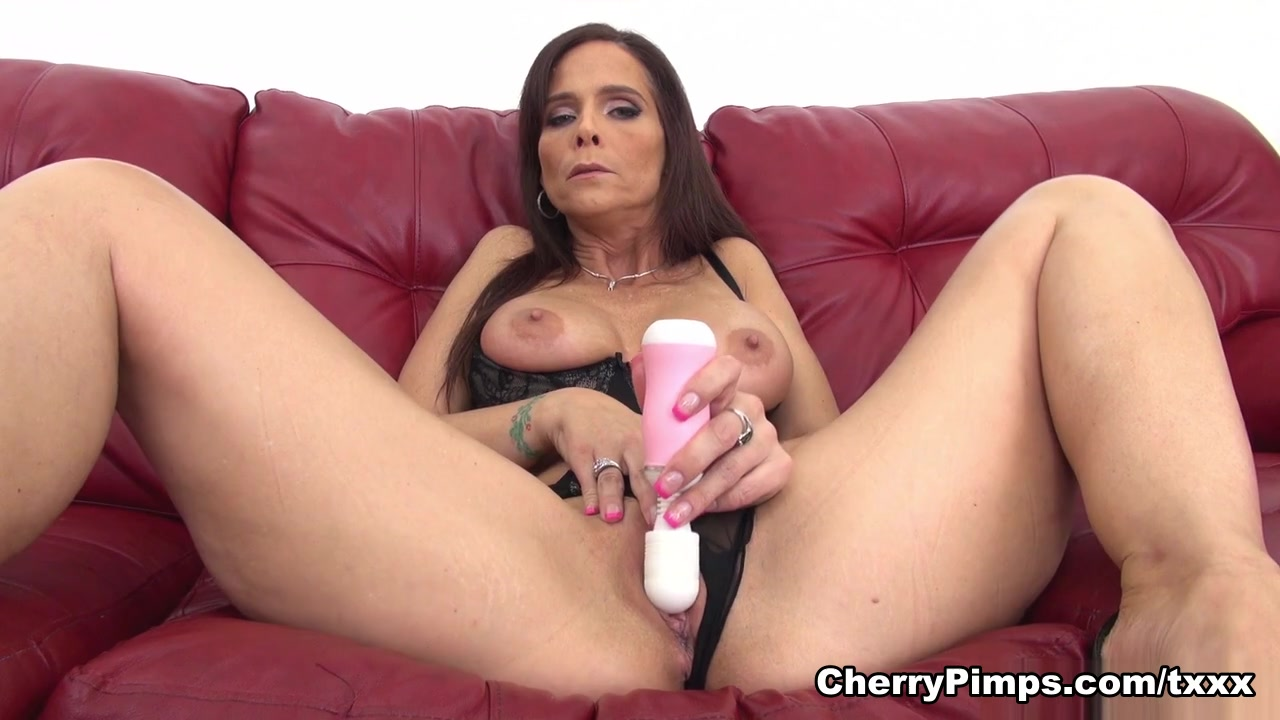 xXx Galleries Tumblr milf hand jobs