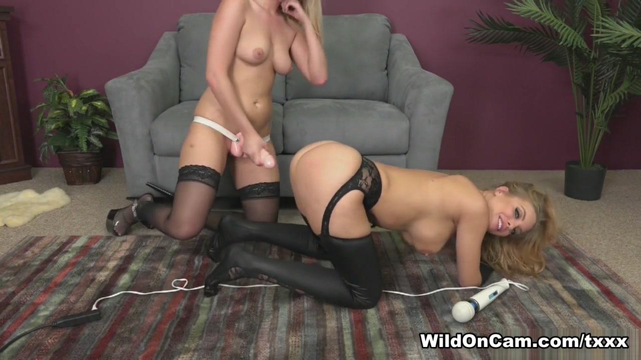 Sexc masturbatian lesbiam Showe