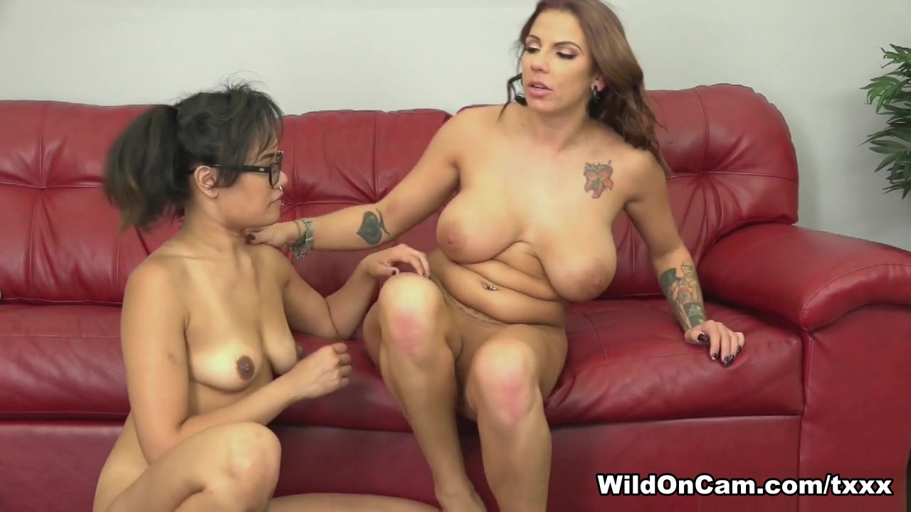 Tight with naked pussy girls