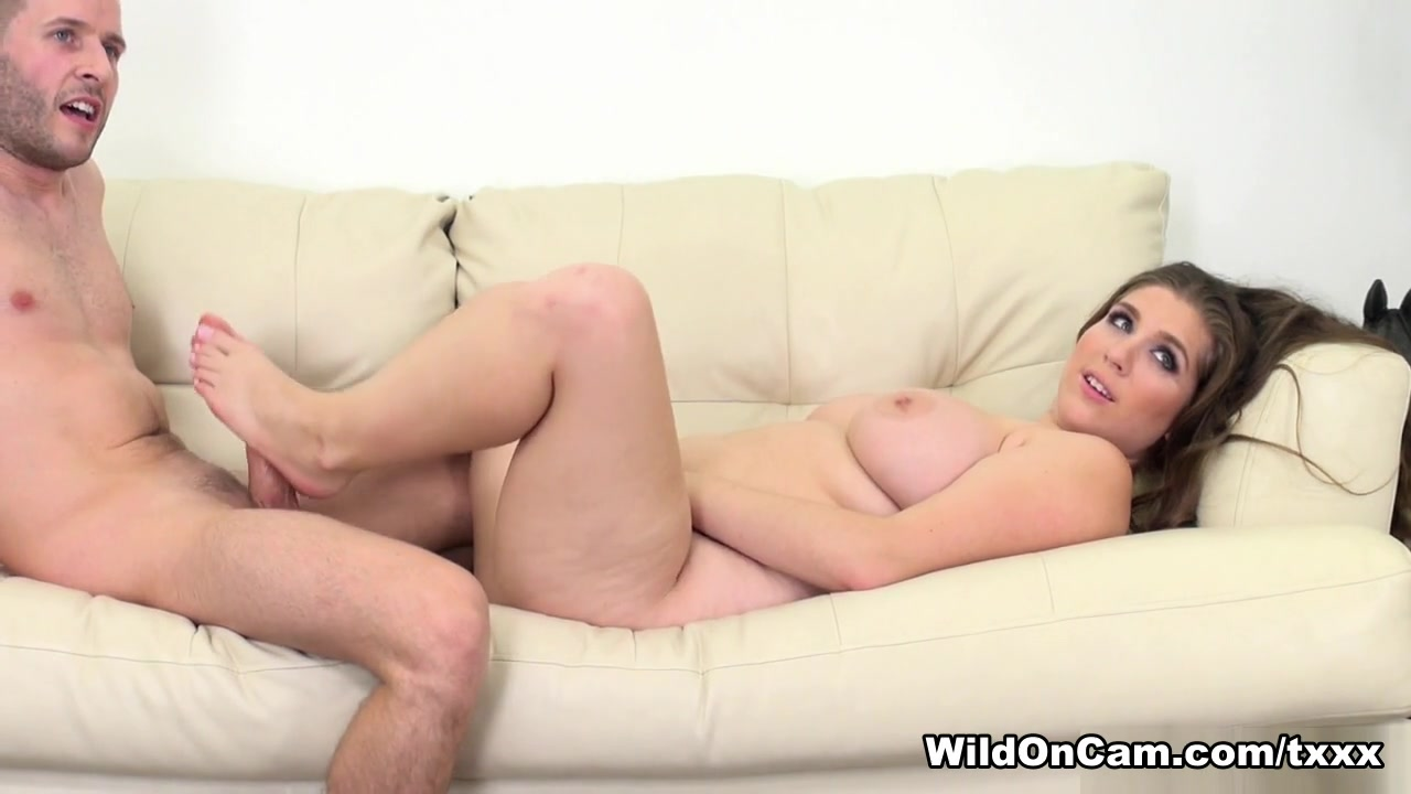 Porn clips Pink slits are licked