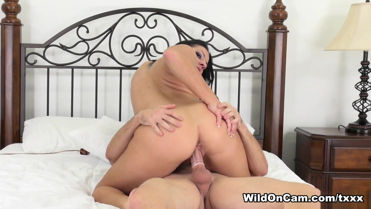 Porn pictures Sweet Hispanic Threesome Slutload