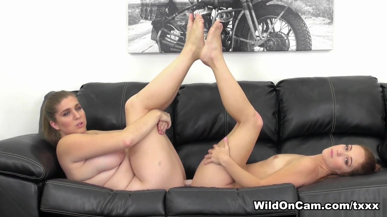 Scissoring Lesben porne