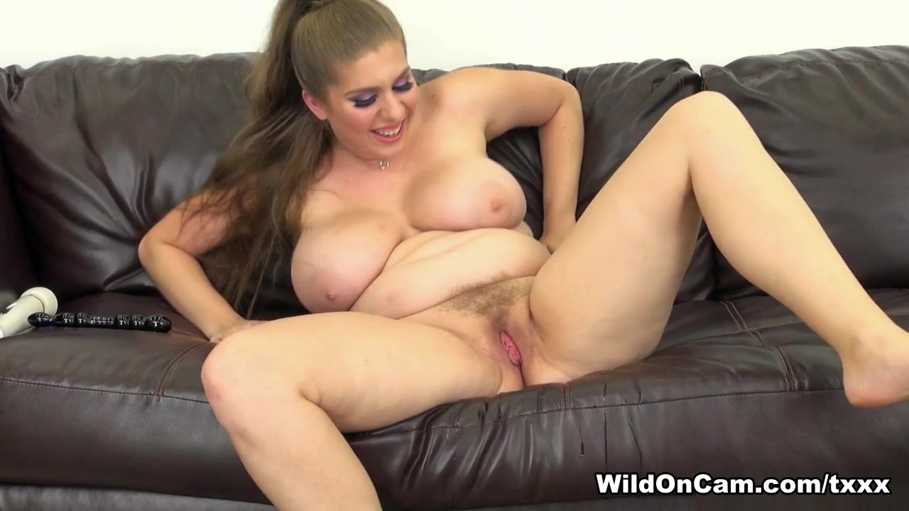 XXX pics Two blondes eating each other
