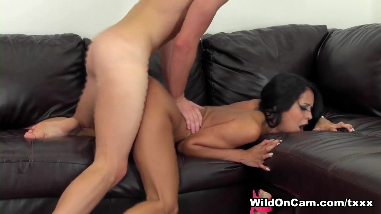 xXx Images Small breasted wives