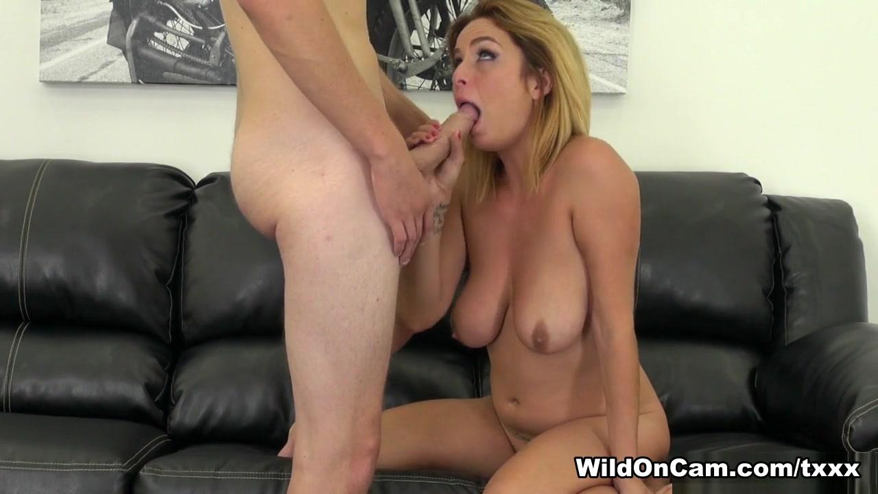 Guy bangs a mature slut Nude gallery