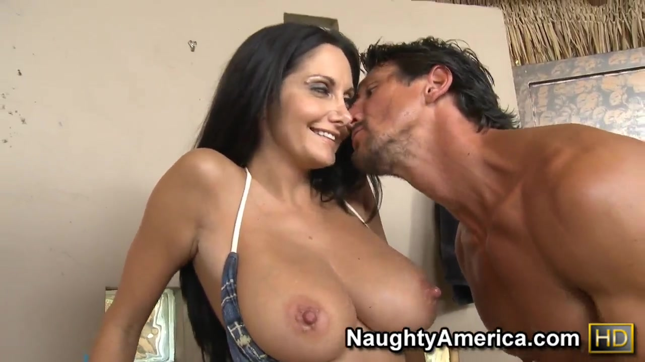 Porn Base Hot sexy latina girls naked