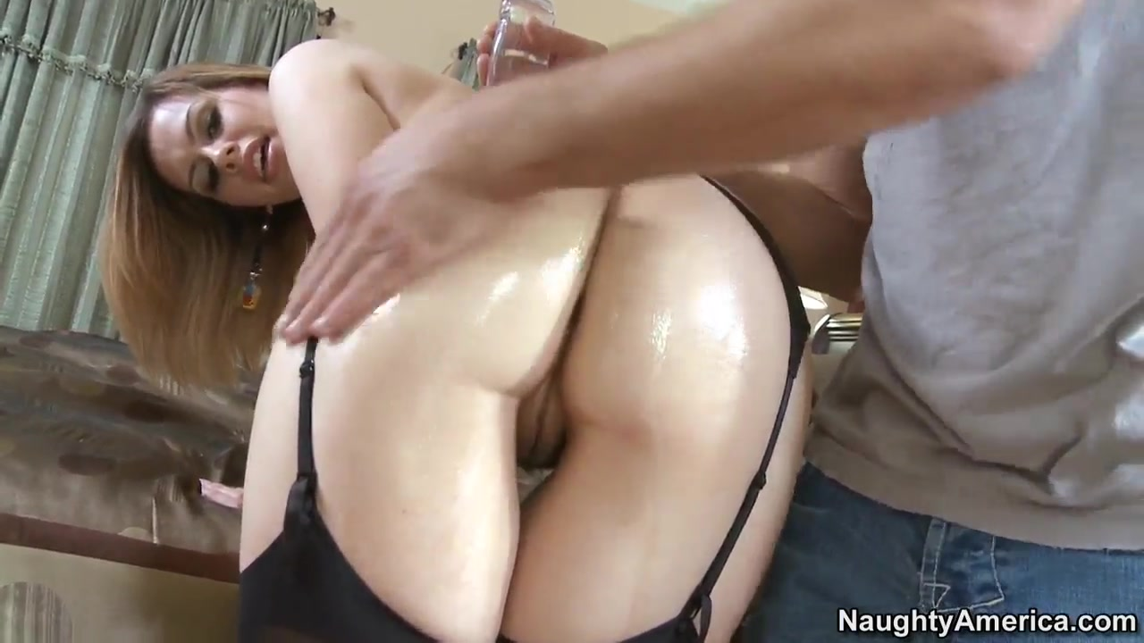 Naked Gallery Bounce that ass on that dick