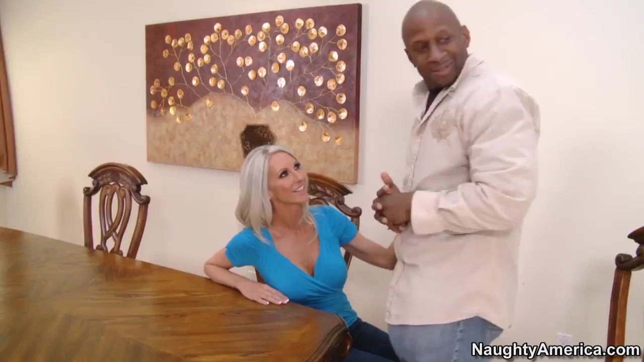 French amateur milf fucked in the kitchen Porn Pics & Movies