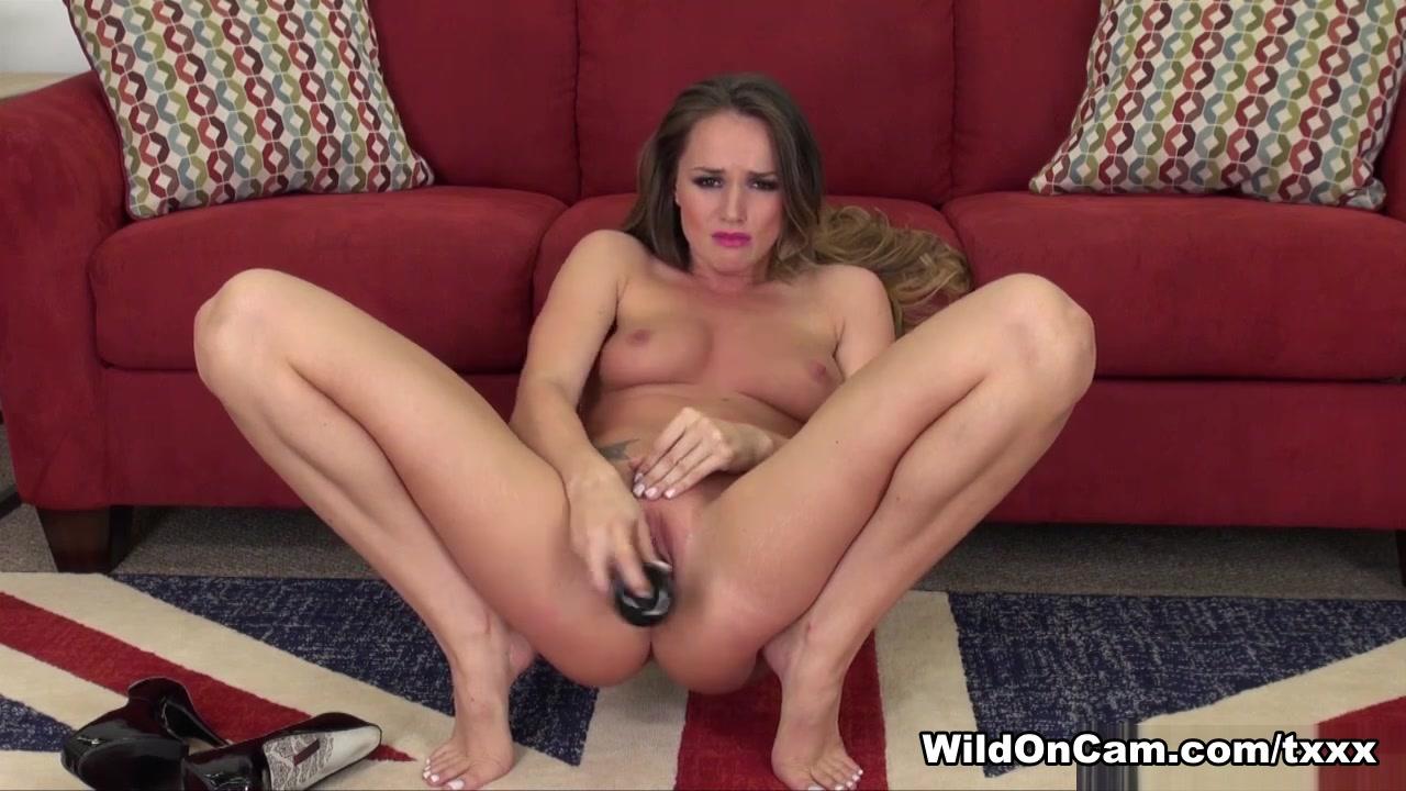 Horny MILF pornstar Alexis Lee riding cock xxx pics