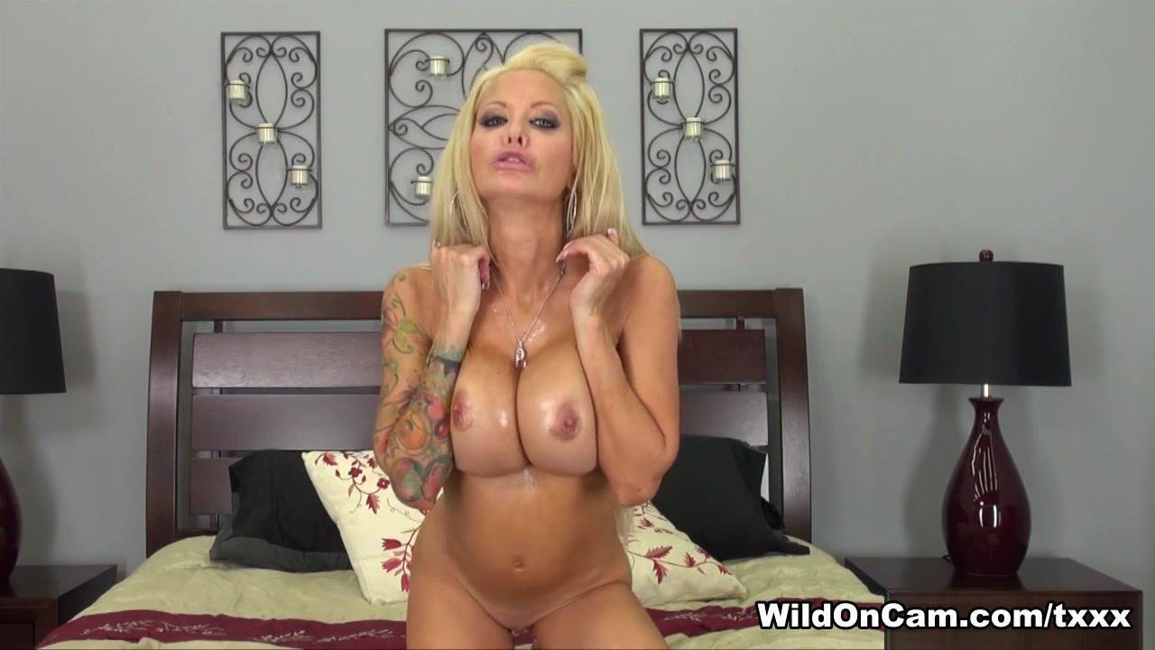 Porn FuckBook Is sarah chalke gay