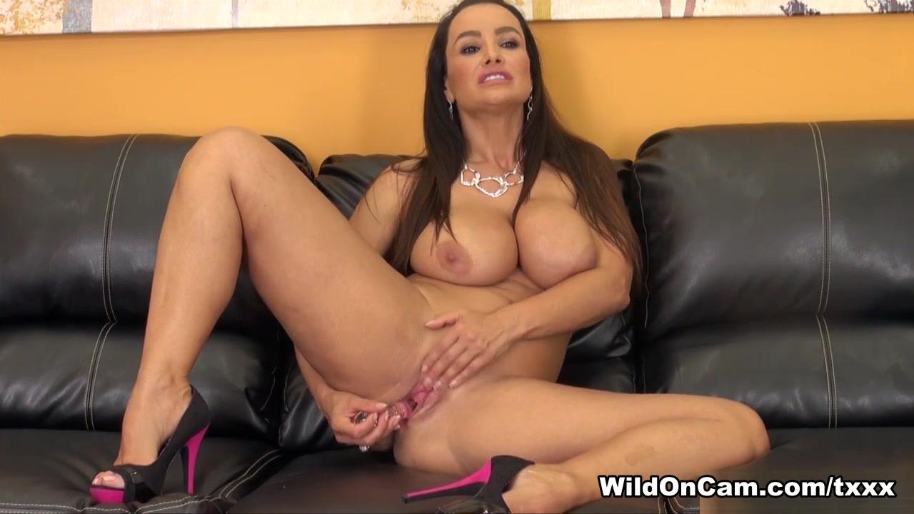 XXX Video Beautiful erotic babes