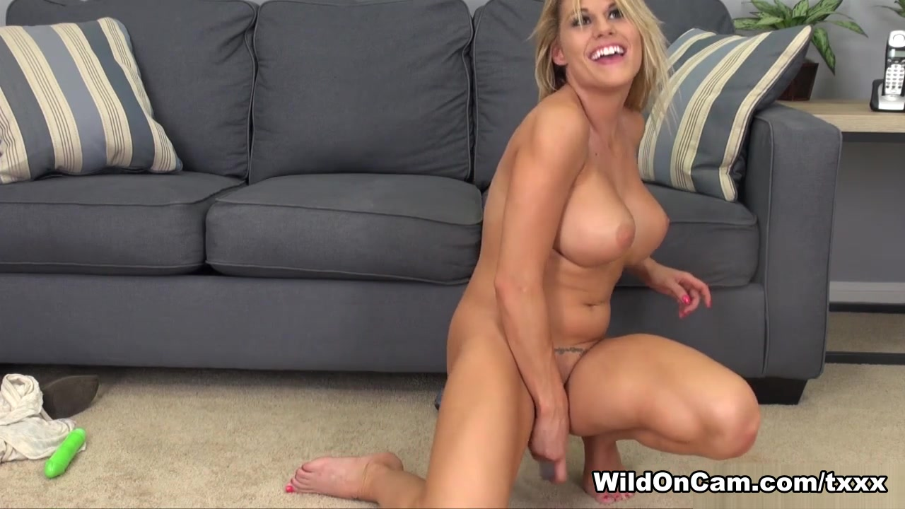 Porn Pics & Movies Pussy on pussy squirt