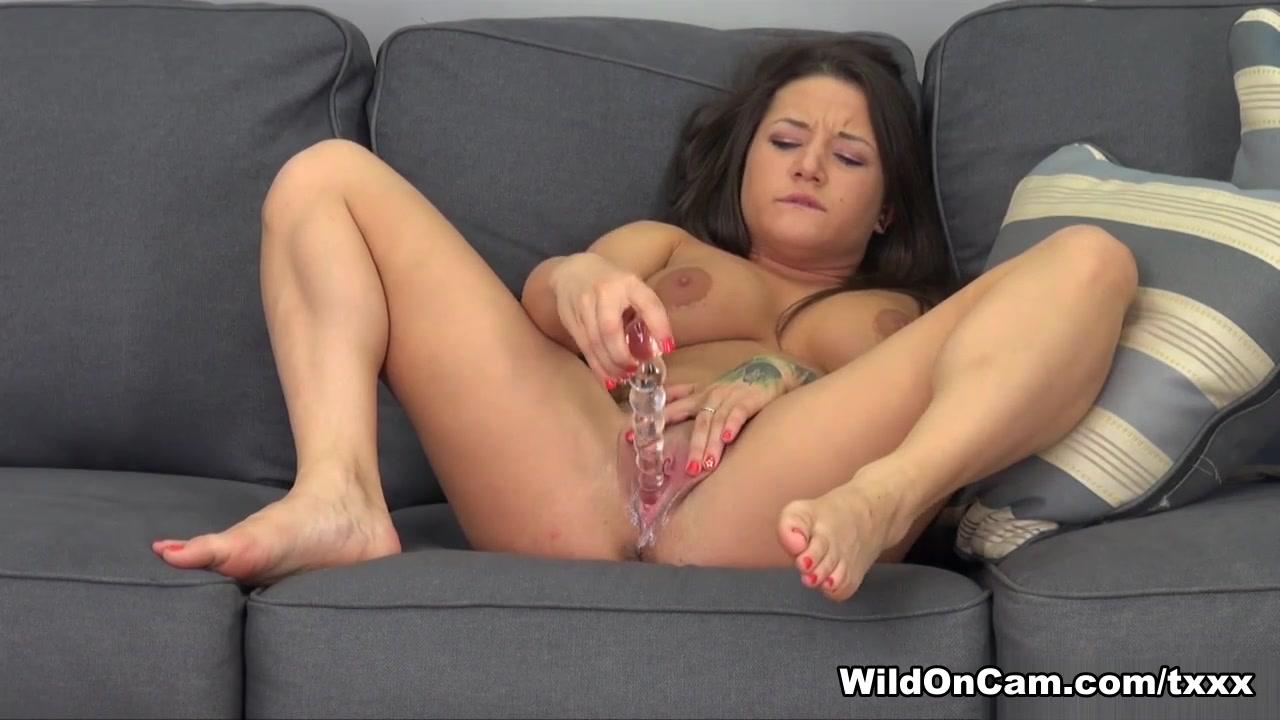 Adult videos Sweetie pie rides on dudes penis with urgency