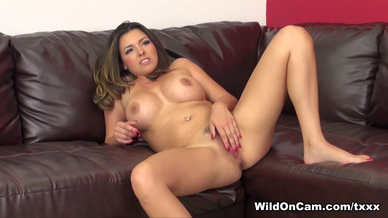 Naked xXx Veena malik hot and sexy