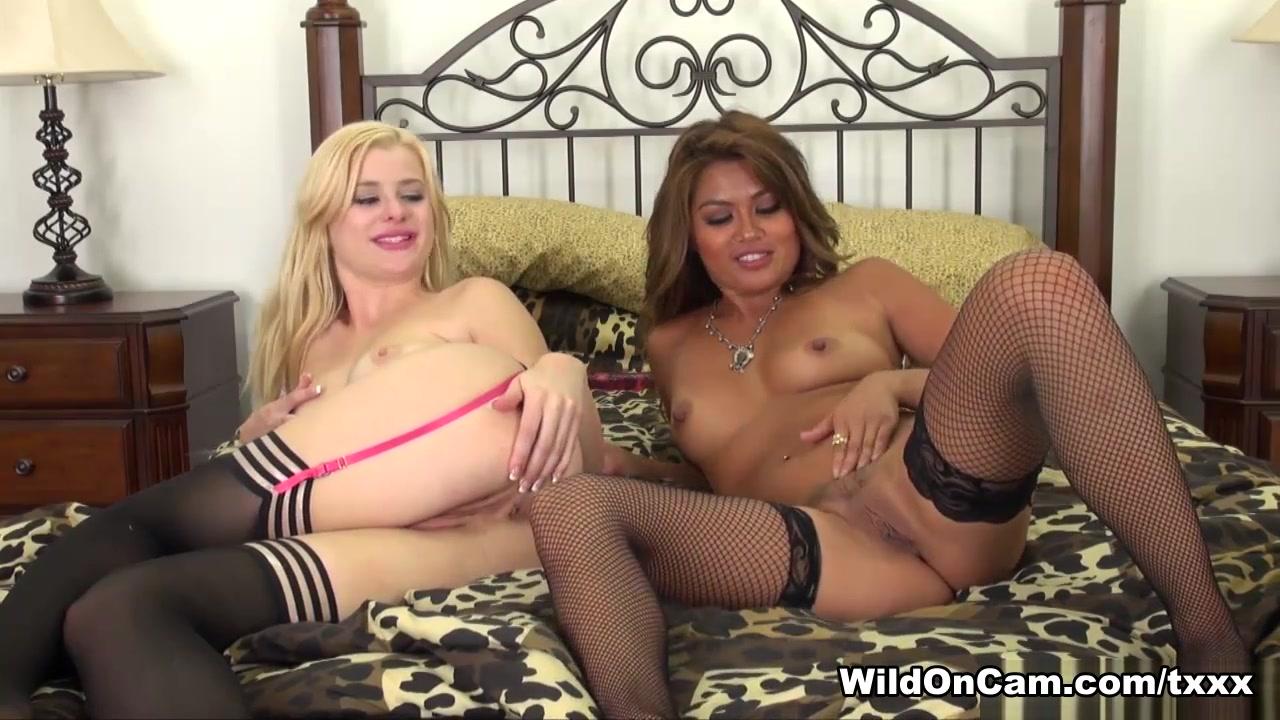 Tits showing Sexy girls big