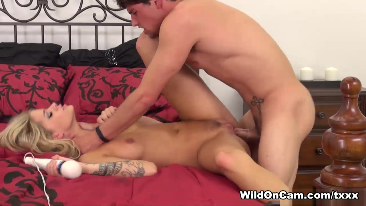 Babe milf slut fucked by step brother Sex photo