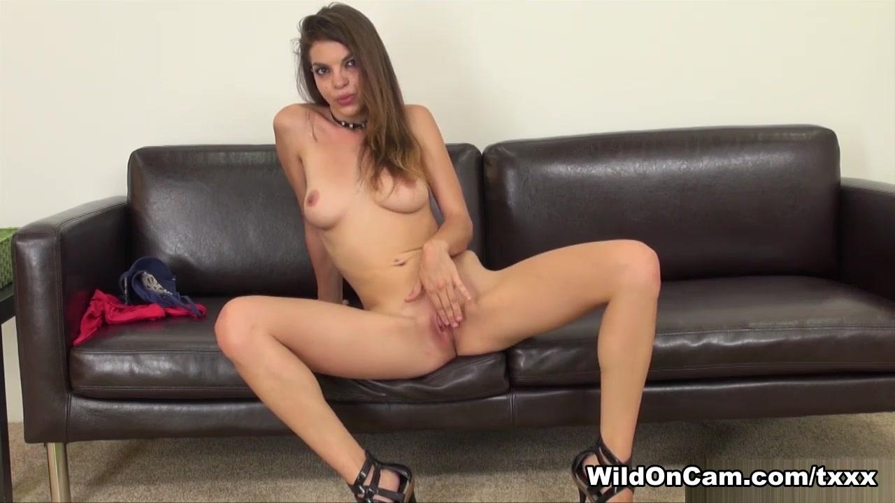 Sex photo Alicia rhodes handjob