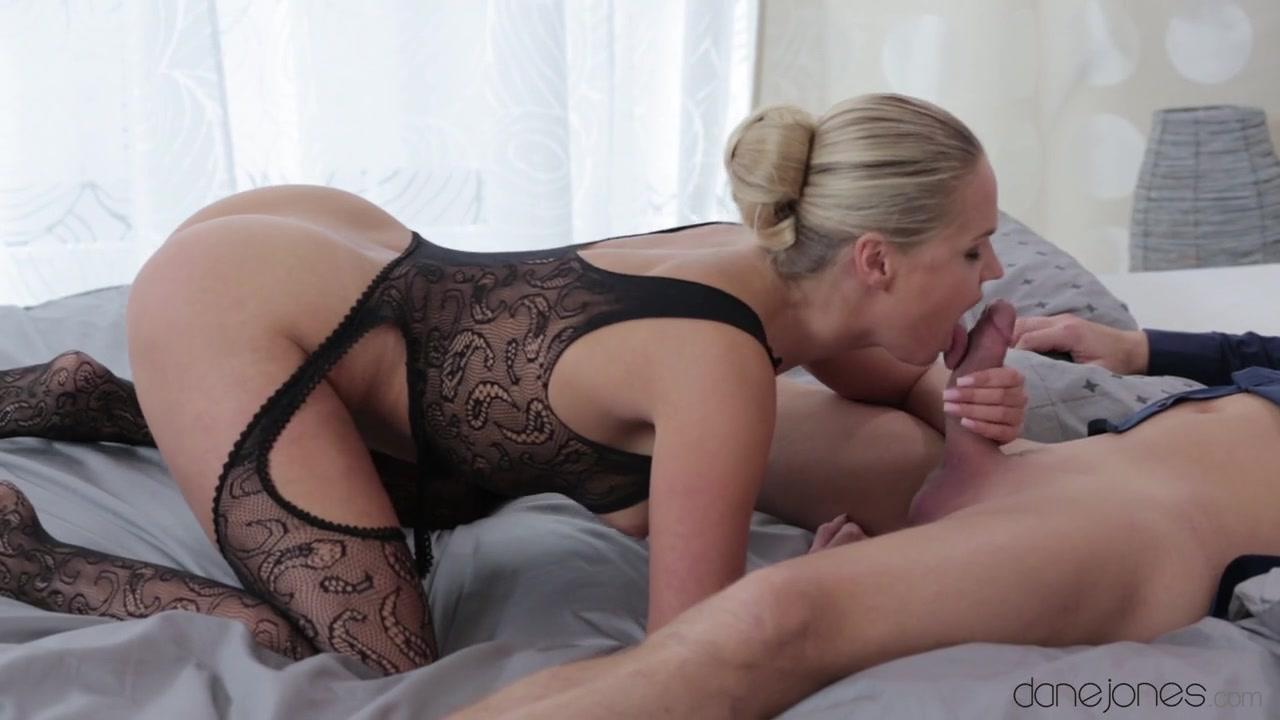 Porn Pics & Movies India Summer and Megan Rain lesbian sex