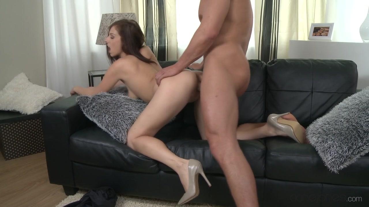 Good Video 18+ Nude big boobs on beach
