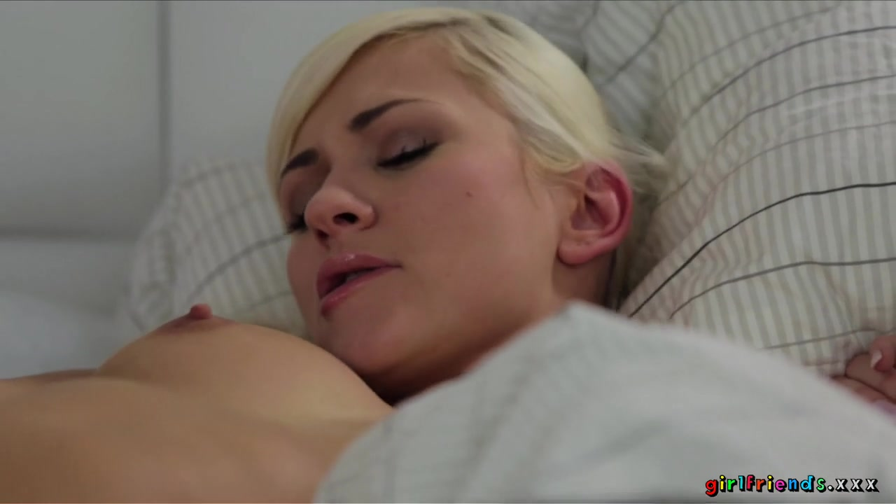 Sexi Reality masturbatian lesbo