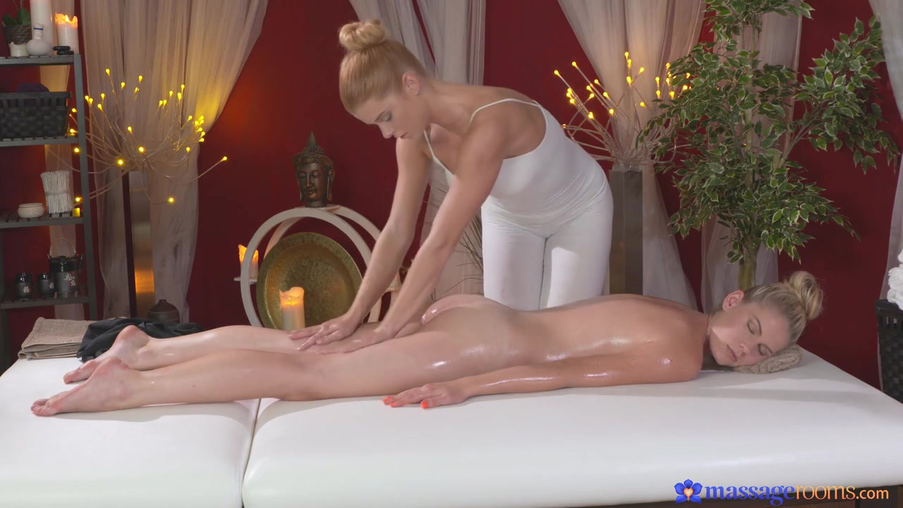 Tubs masturbated Lesbea pornos