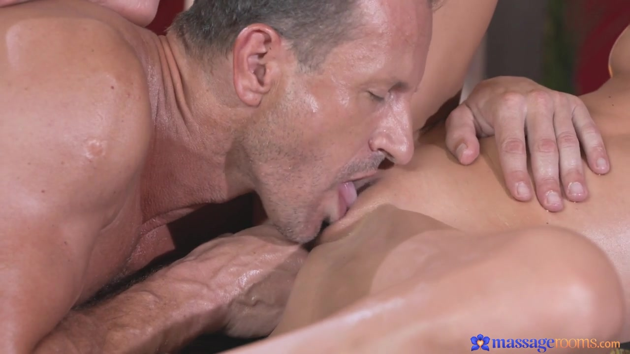 Porn Pics & Movies Bbw strapon fucks man